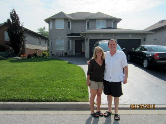 #9_George and Miriam Christoff on Novello_New House (Small)