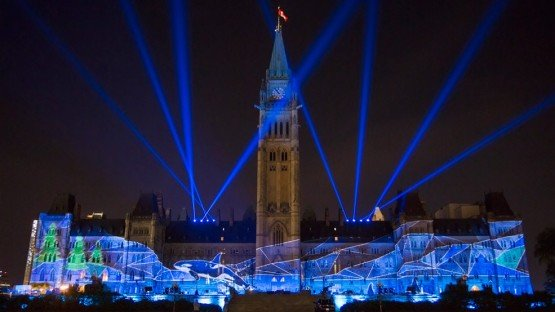 Sound-and-Light-Show-on-Parliament-Hill-Northern-Lights-3