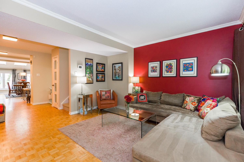 195-Primrose-Ave-Ottawa-ON-K1R-large-007-7-Living-Room-1500x1000-72dpi