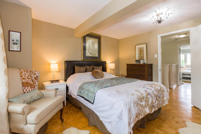 195-Primrose-Ave-Ottawa-ON-K1R-large-017-1-Master-Bedroom-1500x1000-72dpi