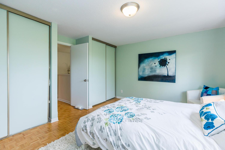 195-Primrose-Ave-Ottawa-ON-K1R-large-021-5-Bedroom-2-1500x1000-72dpi