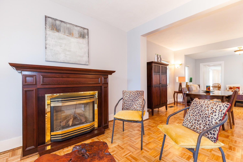 44-Laval-St-Ottawa-ON-K1L-7Z8-large-005-21-Living-Room-1500x1000-72dpi