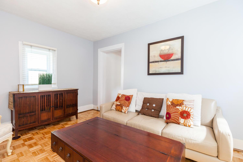 44-Laval-St-Ottawa-ON-K1L-7Z8-large-012-13-Family-Room-1500x1000-72dpi