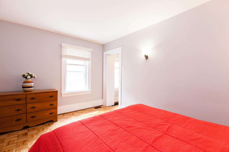 44-Laval-St-Ottawa-ON-K1L-7Z8-large-021-3-Bedroom-2-1500x1000-72dpi