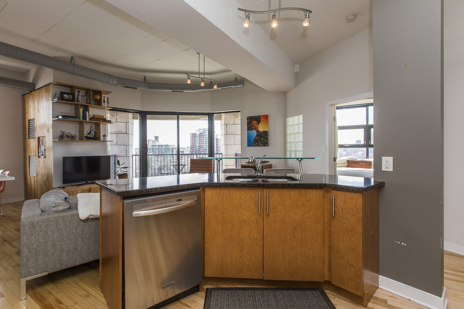 320-Parkdale-Ave-S-703-13