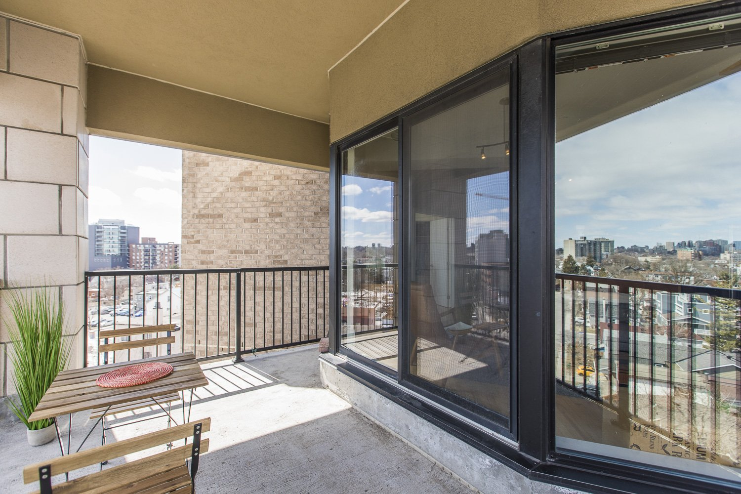 320-Parkdale-Ave-S-703-17