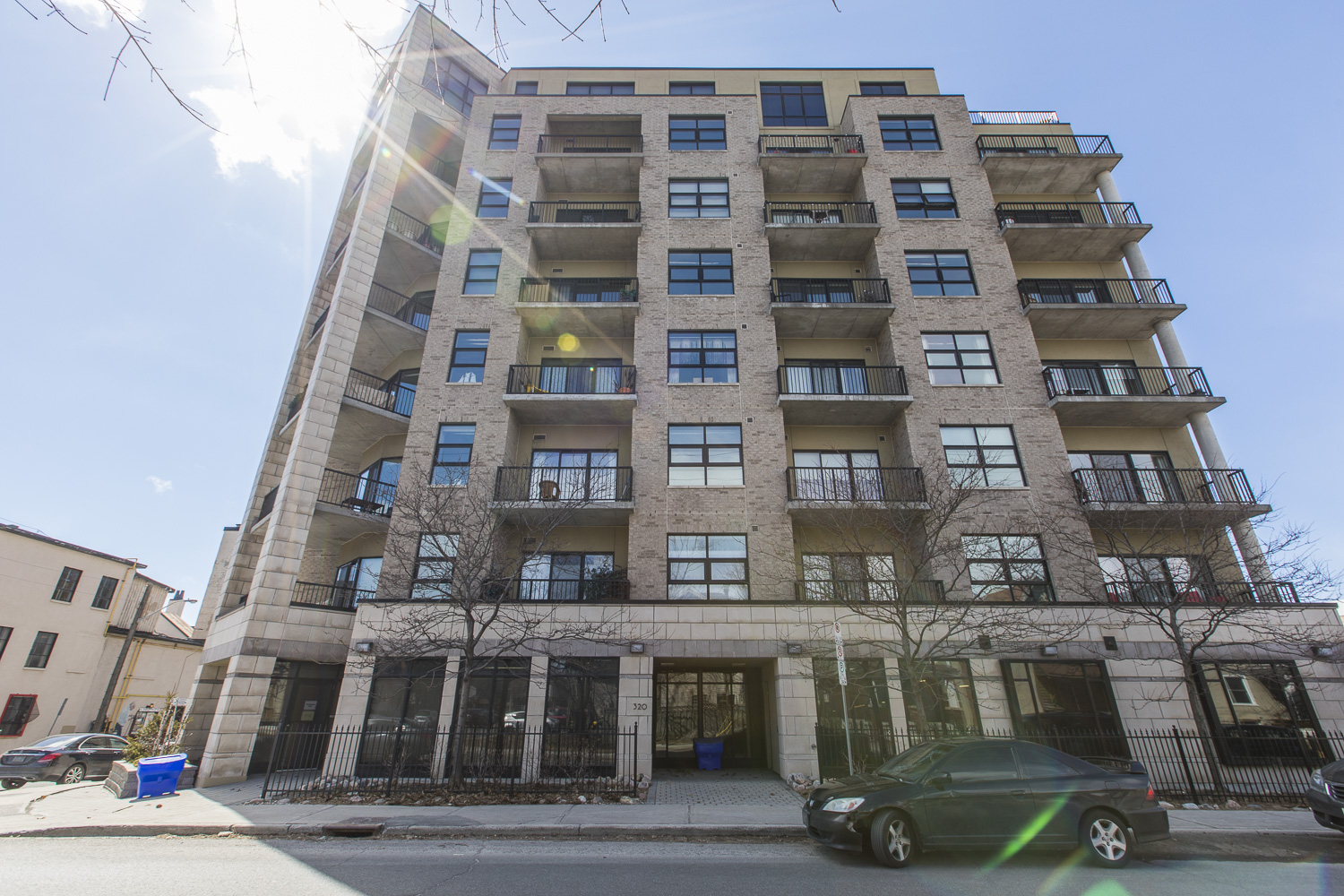 320-Parkdale-Ave-S-703-30