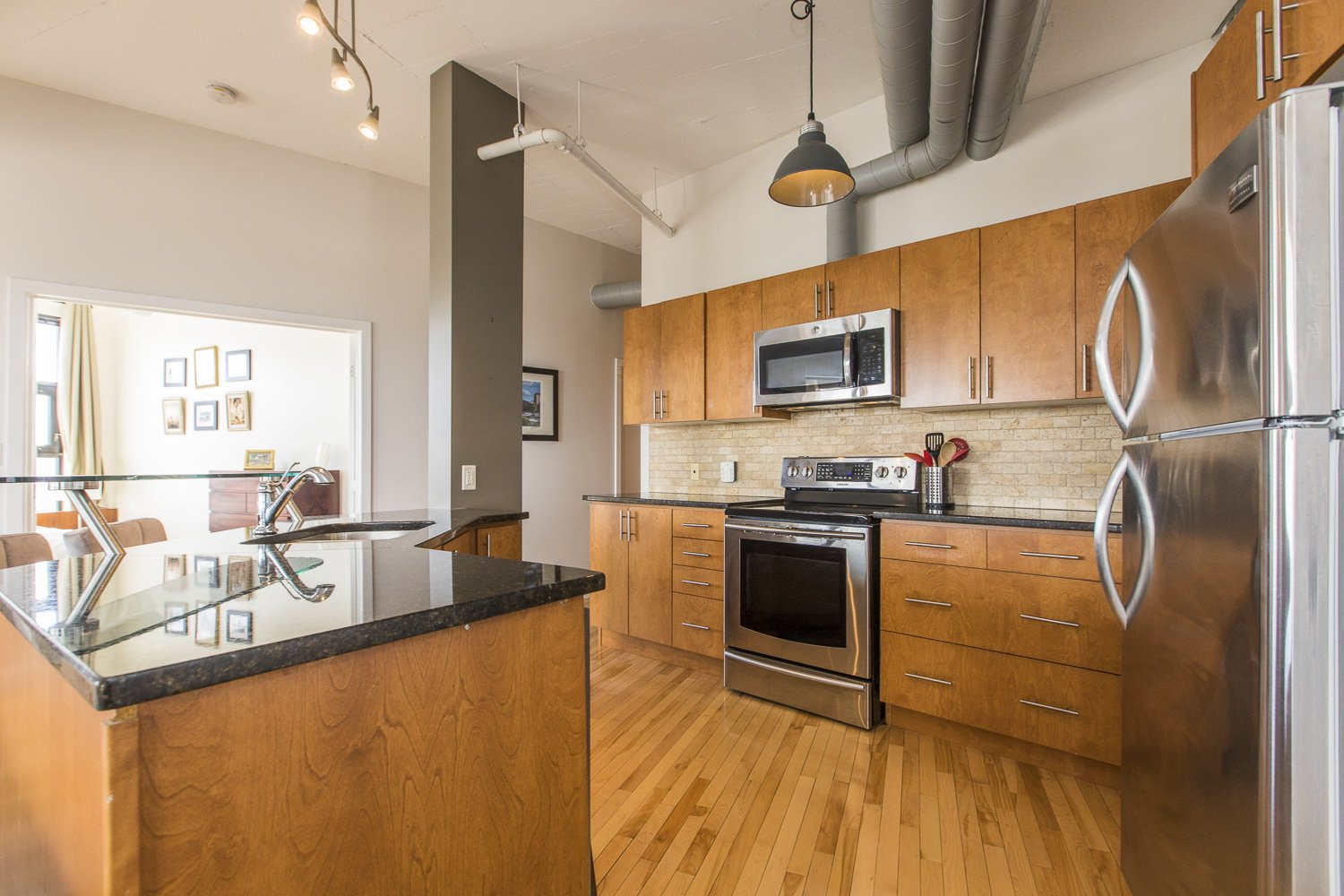 320-Parkdale-Ave-S-703-9